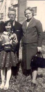 אמא אליזבט, אבא קרל, פורים 1966